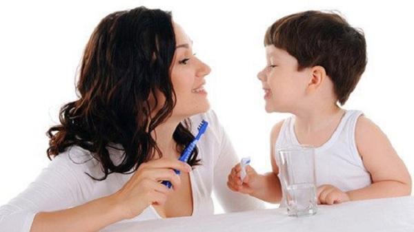 Hình thành thói quen chăm sóc răng ngay từ nhỏ cho bé - 1